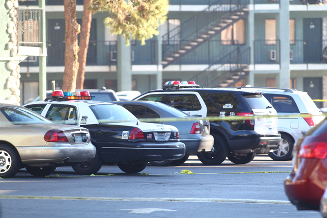 Las Vegas police respond to a situation with a suicidal man armed with a knife at an apartment complex at 3770 Swenson St. near Twain Avenue in Las Vegas on Thursday, Jan. 8, 2015. The man did not ...