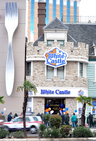 Customers line up before at the grand opening of the White Castle's newest location on the Strip on Tuesday, Jan. 27, 2015. This is the hamburger restaurants only location west of the Rocky Mounta ...