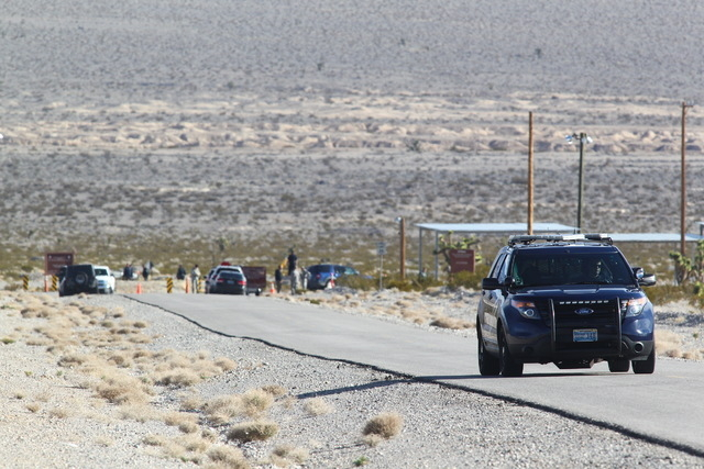 A person was reported dead inside a vehicle on northbound U.S. Highway 95 near the turnoff for Lee Canyon Tuesday morning, according to Nevada Highway Patrol. (Chase Stevens/Las Vegas Review-Journal)