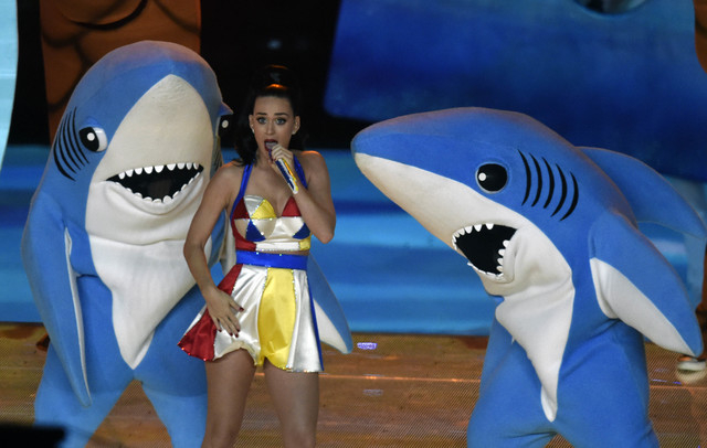 Recording artist Katy Perry performs during the half time show in Super Bowl XLIX at University of Phoenix Stadium in Glendale, Ariz., Feb 1, 2015. (Kirby Lee-USA TODAY Sports)