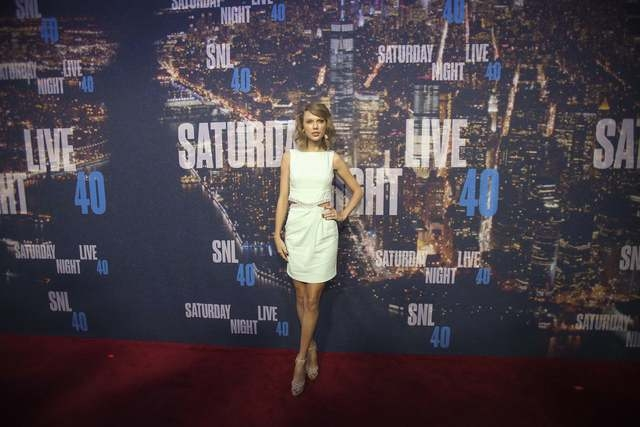 Singer Taylor Swift arrives for the 40th Anniversary Saturday Night Live (SNL) broadcast in the Manhattan Borough of New York February 15, 2015. (REUTERS/Carlo Allegri)