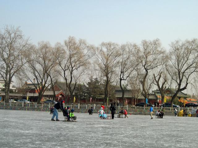 Chair skating at Houhai lake.