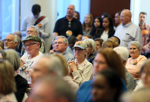 Members of the public attend a conversation about conservation issues in Southern Nevada at Lloyd D. George U.S. Courthouse, Wednesday, Feb. 18, 2015, in Las Vegas.  (Ronda Churchill/Review-Journal)