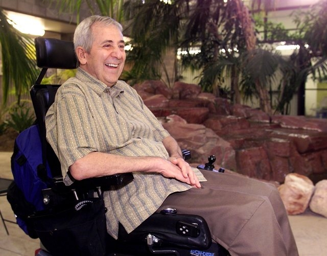 UNLV professor James Deacon sits in the atrium of the Greer Biology Building on May 2, 2002, just before his retirement after 42 years with the university. (John Gurzinski/Las Vegas Review-Journal)