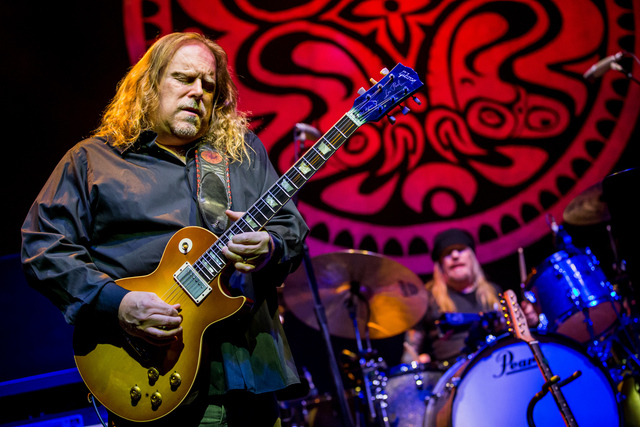 Warren Haynes   pictured as Gov't Mule with John Scofield in concert at Brooklyn Bowl at The Linq in Las Vegas, NV on February 22, 2015. (Courtesy, Erik Kabik/Retna Ltd.)
