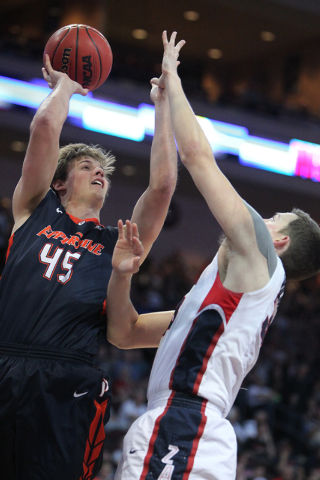 Pepperdine's Jett Raines (45) goes up for a shot against Gonzaga's Kyle Wiltjer (33) in the West Coast Conference Basketball Championships semifinal game at the Orleans Arena in Las Vegas Monday,  ...