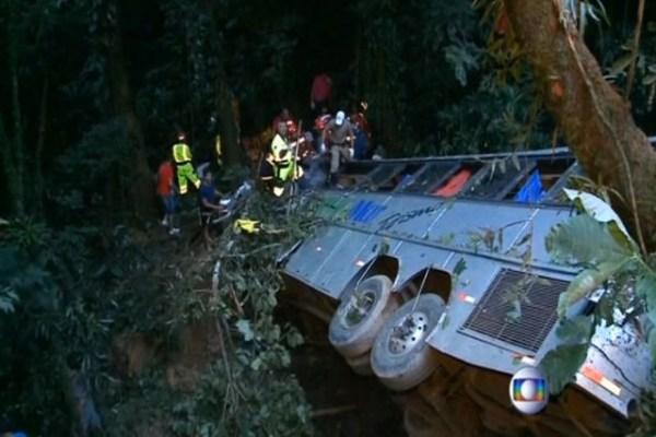 54 dead after Brazilian bus plummets over cliff   Las Vegas