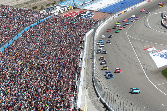 Joey Logano (22) runs ahead of the pack on the first lap of the NASCAR Sprint Cup Series Kobalt 400 race at the Las Vegas Motor Speedway on Sunday, March 8, 2015. (Chase Stevens/Las Vegas Review-J ...
