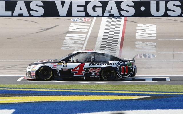 Kevin Harvick (4) crosses the finish line after winning the NASCAR Sprint Cup Series Kobalt 400 race at the Las Vegas Motor Speedway on Sunday, March 8, 2015. (Bizuayehu Tesfaye/Las Vegas Review-J ...