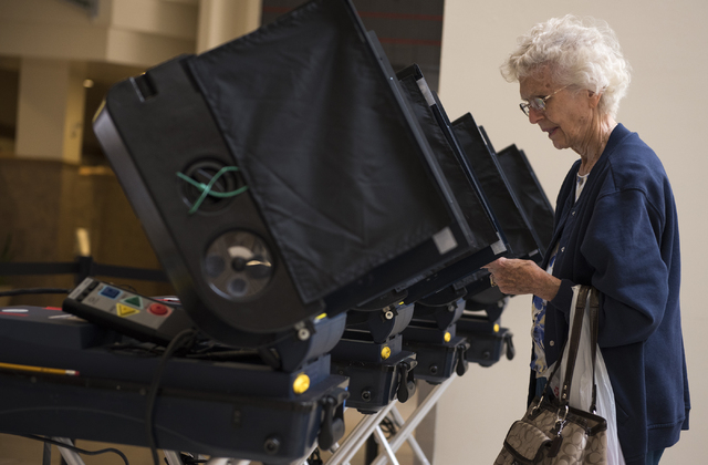 Shirley Connelly vote during early voting at Meadows Mall in Las Vegas on Saturday, Mar. 21, 2015. (Martin S. Fuentes/Las Vegas Review-Journal)