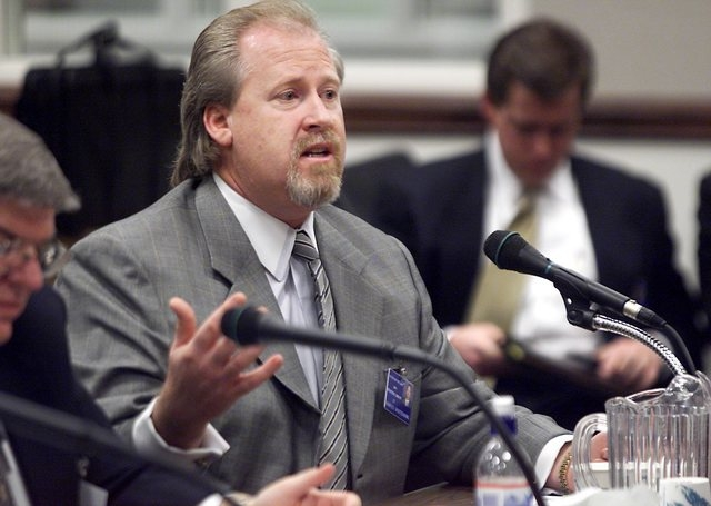 Lobbyist Harvey Whittemore testifies before the Senate Commerce and Labor committee in the Legislative Building in Carson City, Wednesday, Feb. 7, 2001. (K.M. Cannon/Las Vegas Review-Journal)