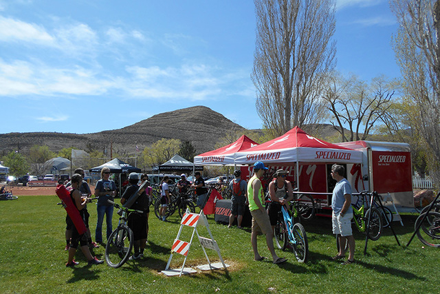 Mountain bike fans enjoy the picture-perfect weather at the Red Rock Fat Tire Festival. (Alan Snel/Las Vegas Review-Journal)