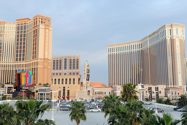 The Palazzo and The Venetian are seen on Saturday, March 29, 2014. (David Becker/Las Vegas Review-Journal)