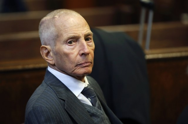 Real estate heir Robert Durst appears in a criminal courtroom for his trial on charges of trespassing on property owned by his estranged family, in New York, Dec. 10, 2014. (REUTERS/Mike Segar)