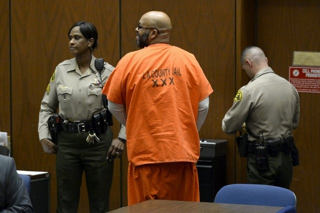 Rap mogul Suge Knight appears in court for a arraignment hearing in his murder trial in Los Angeles, California, April 30, 2015. (Reuters/Kevork Djansezian/Pool)