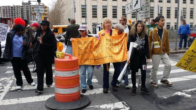 People in New York are joining in the Shut it Down protests against police brutality. Courtesy (L Mazzei/Fresco News)