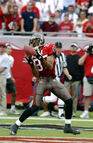 Former UNLV wide receiver Keenan McCardell catches a pass while playing for the Tampa Bay Buccaneers. (Courtesy of UNLV sports information department)