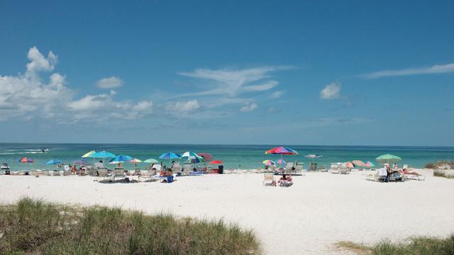 Manatee County Beach (Courtesy Bradenton Area Convention & Visitors Bureau)