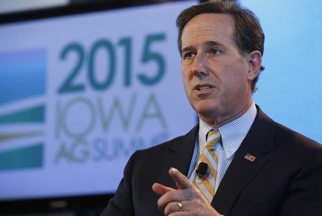 Former U.S. Senator Rick Santorum (R-PA) speaks at the Iowa Agriculture Summit in Des Moines, Iowa,  March 7, 2015.   (REUTERS/Jim Young)