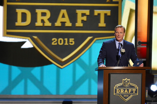 Apr 30, 2015; Chicago, IL, USA; NFL commissioner Roger Goodell addresses the crowd in the first round of the 2015 NFL Draft at the Auditorium Theatre of Roosevelt University. Mandatory Credit: Jer ...