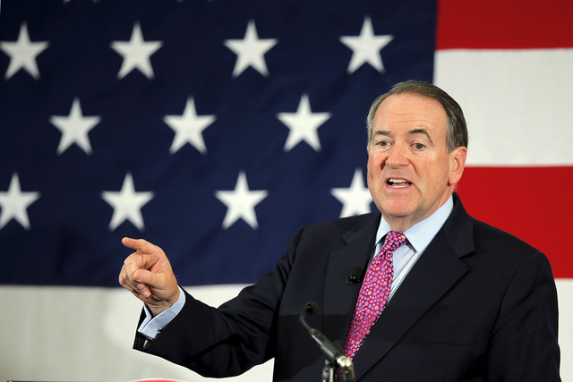 Republican 2016 presidential candidate Mike Huckabee speaks at the First in the Nation Republican Leadership Conference in Nashua, New Hampshire April 18, 2015. (REUTERS/Brian Snyder)
