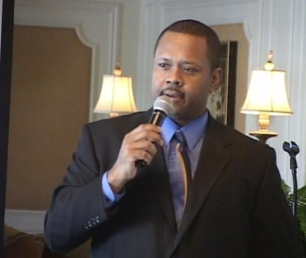 Mack Jackson Jr., president of MJ Computer Concepts Inc. and Internet security expert, speaks at a workshop in December 2011. (Special to View)
