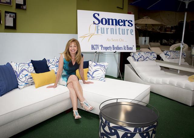 Merveilleux Tonya Harvey/Real Estate Millions Debbi Somers Shows Off High End Patio  Furniture At