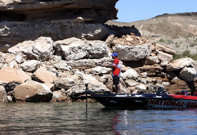 Local bass fishing pro Tim Klinger fishes Lake Mead in 2010. (Las Vegas Review-Journal file)