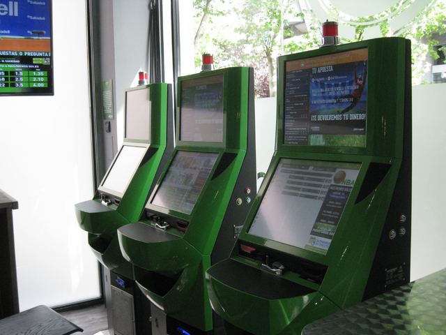 Bet Bar is operated by Codere Apuestas, a division of Codere, Spains only publicly traded gaming company, which has a presence in eight countries. There are more than a dozen Bet Bars in Madrid. ( ...