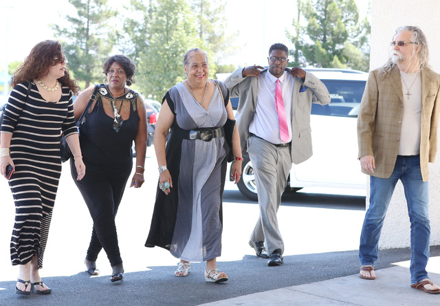 B.B. King's daughter Shirley King, second left, and her son Patrick Johnson, second right, flanked by family members and friends, arrive at Palm Mortuary Downtown on 1325 N. Main St., to attend B. ...