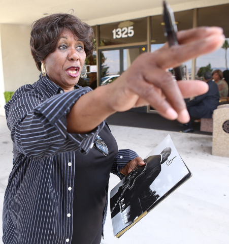 B.B. King's daughter Shirley King signs autographs for fans outside Palm Mortuary Downtown, 1325 N. Main St., where B.B. King's memorial service was held on Saturday, May 23, 2015. (Bizuayehu Tesf ...