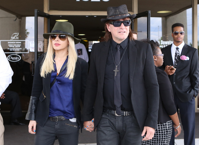 Singer/songwriter Orianthi Panagaris, left, and her boyfriend, guitarist Richie Sambora, leave Palm Mortuary Downtown after attending B.B. King's memorial service on Saturday, May 23, 2015. (Bizua ...