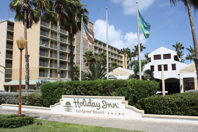 A photograph of the Holiday Inn in Aruba. Natalee Holloway was staying at this hotel the week of her disappearance. (CNN)
