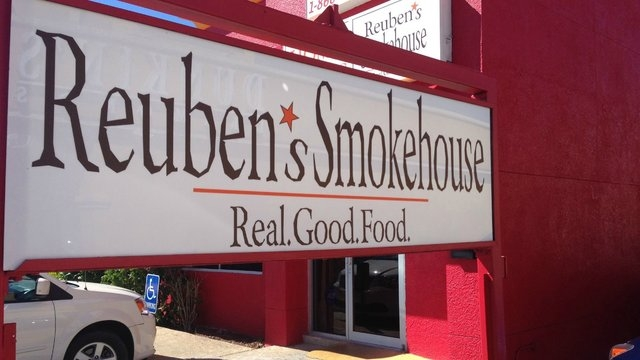 4. Reuben's Smokehouse, Fort Myers, Florida  Newcomer Reuben's Smokehouse made an immediate impression on the TripAdvisor community. The fourth-ranked eatery in Fort Myers, Florida, opened in 2014 ...