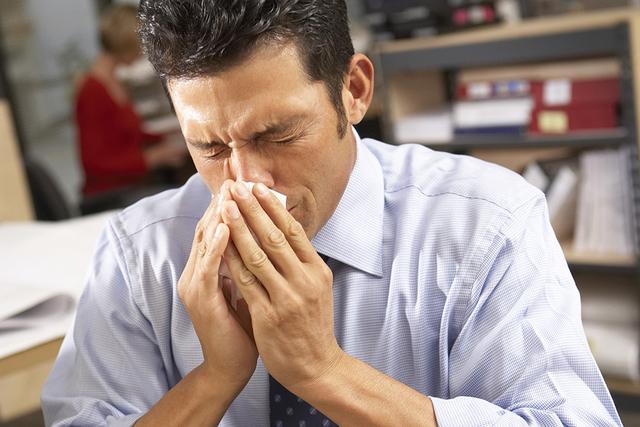 Sneeze (Thinkstock)