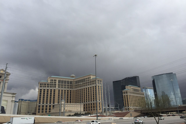 Rain returned to the Las Vegas Valley on Tuesday, March 3, 2015. (Chase Stevens/Las Vegas Review-Journal)