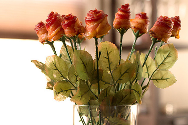 Bacon roses (Courtesy National Pork Board)