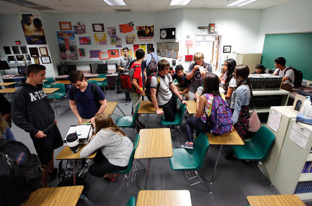 Students mingle after a Jewish Student Union meeting at Advanced Technologies Academy in Las Vegas on Friday, May 9, 2014. (Chase Stevens/Las Vegas Review-Journal)