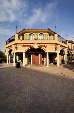 The exterior of Sonrisa Grill is shown at 30 Via Brianza in the Montelago Village at Lake Las Vegas in Henderson. (Bill Hughes/Las Vegas Review-Journal)