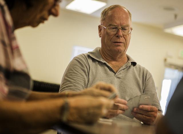 Al Ake plays cards at the Mesquite Senior Center, 102 East Mill Road in Mesquite on Monday, June 29, 2015 Follow Jeff Scheid on Twitter @jlscheid (Jeff Scheid/Las Vegas Review-Journal)