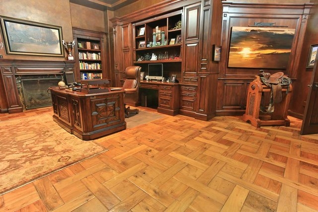 The features a traditional office. (Courtesy photo)
