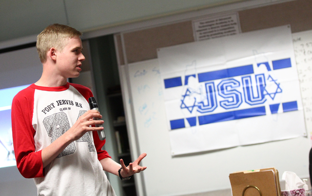 Jewish Student Union President Joseph Prager speaks during a group meeting at Advanced Technologies Academy in Las Vegas on Friday, May 9, 2014. (Chase Stevens/Las Vegas Review-Journal)