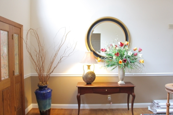 A subtle touch of color adds elegance below a traditional molding. COURTESY PHOTO