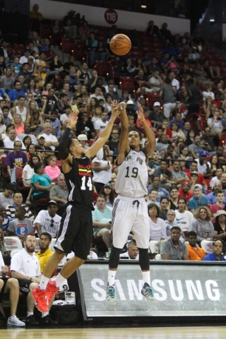 Jarrell Eddie (19) shoots a three pointer against the Atlanta Blackhawks at the Thomas and Mack Center in Las Vegas on Sunday, July 19, 2015. (James Tensuan/Las Vegas Review-Journal) Follow James  ...