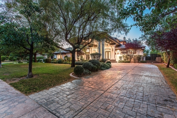 This Winter Palace Drive is one of several high-end homes in Las Vegas that can be rented for thousands of dollars a month. Real estate agents say that market is growing. COURTESY PHOTO