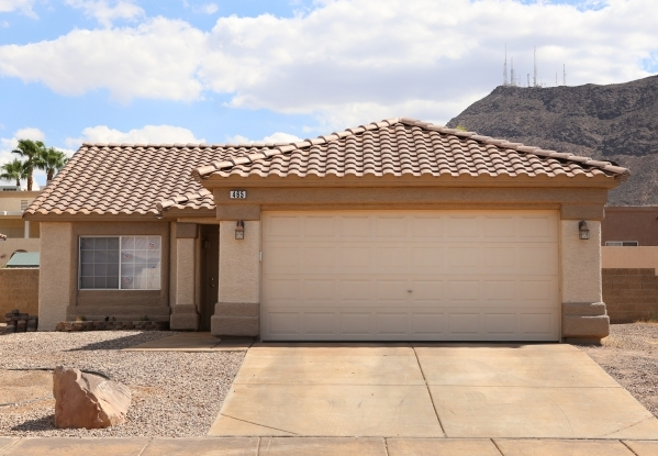The home of Amanda Hafen, daughter of Henderson Mayor Andy Hafen, is shown on Tuesday, July 21, 2015. A Henderson city worker repaired a water line at the home. (Bizuayehu Tesfaye/Las Vegas Review ...