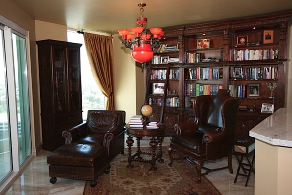 Interior Decorator Laura Sullivan Of My Favorite Design Turned This Casita Into A Library For