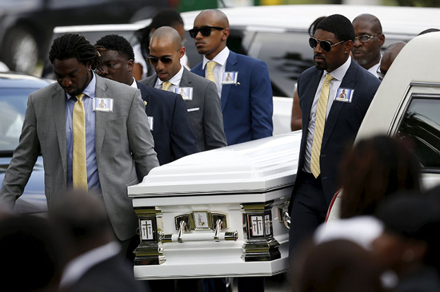 Pallbearers carry the casket of Sandra Bland during the funeral service in the Chicago suburb of Willow Springs, Illi., on Saturday. (Jim Young/Reuters)