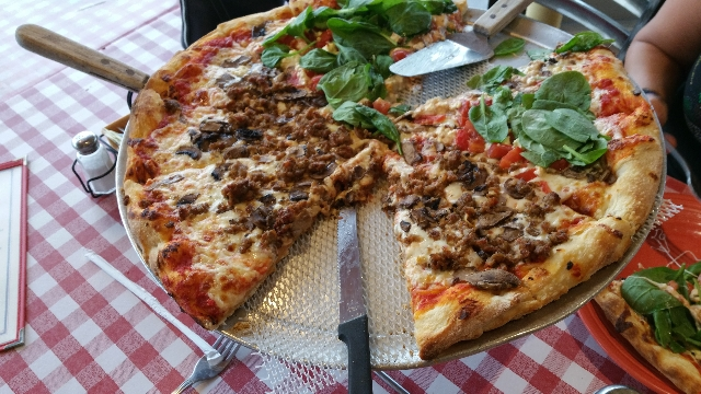 8. Bill's Pizza, Palm Springs, California -- At Bill's Pizza, sourdough crust is the foundation for tasty pies. (CNN)