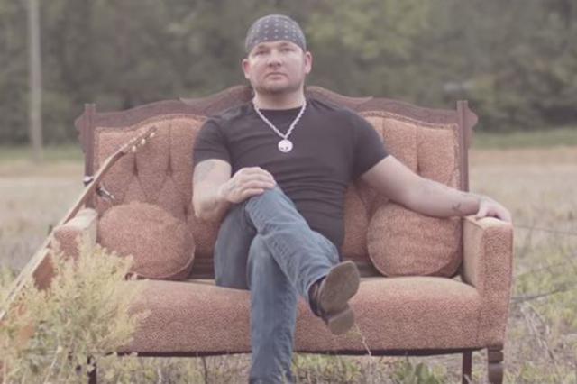 Stoney LaRue. (Screengrab/StoneyLarueVEVO/YouTube)